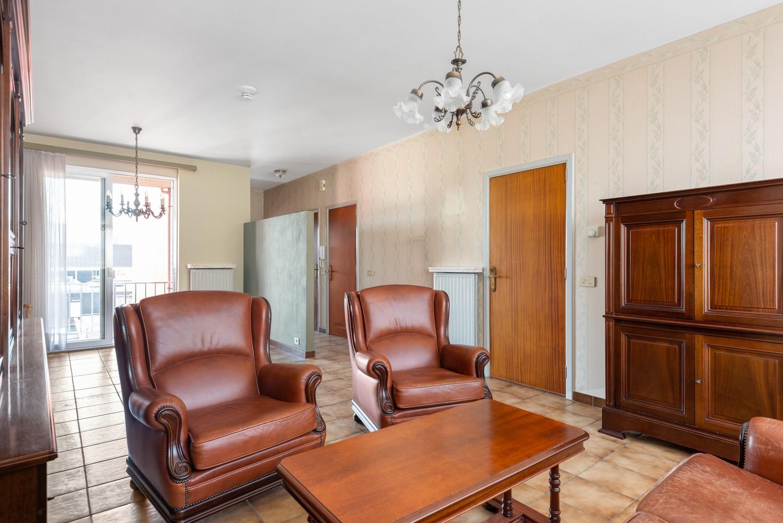 Te renoveren appartement met één slaapkamer te Antwerpen! afbeelding 3