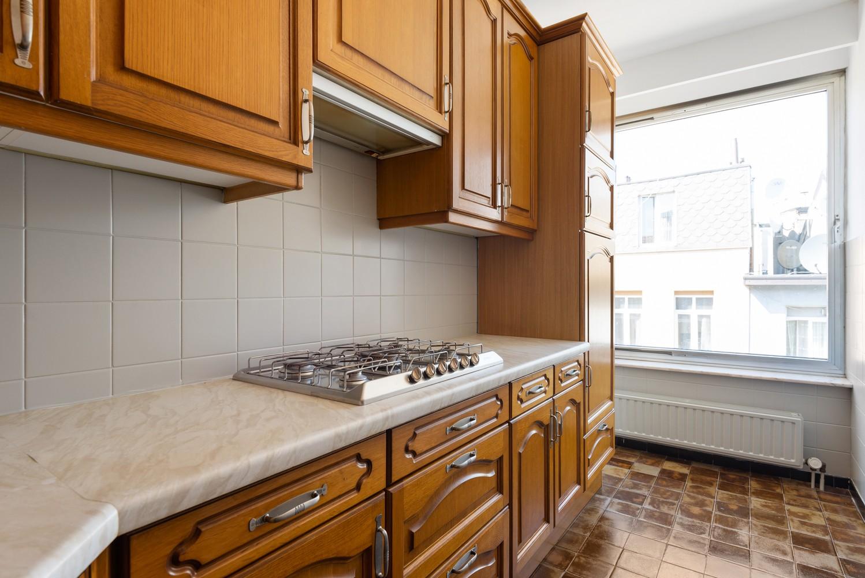 Te renoveren appartement met één slaapkamer te Antwerpen! afbeelding 8