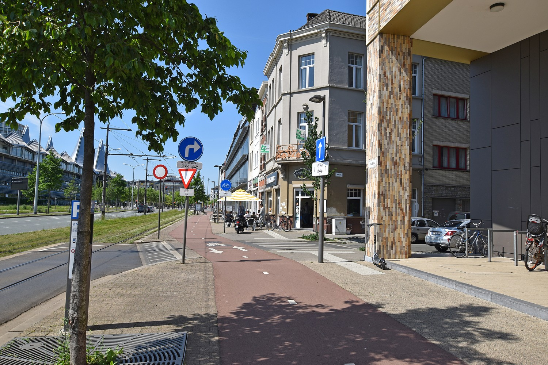 Gerenoveerd appartement met 1 slpk, gelegen op een toplocatie te Antwerpen! afbeelding 1