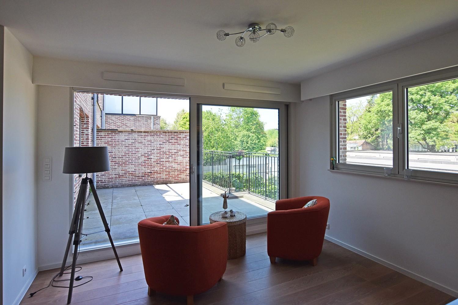 Luxueus appartement op de eerste verdieping op een rustige centrumlocatie te 's Gravenwezel. afbeelding 4