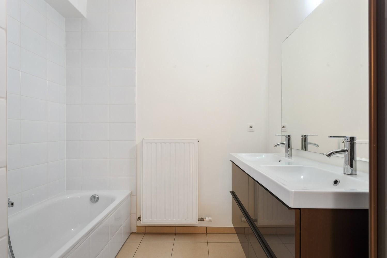 Recent en modern appartement met twee slaapkamers en terras te Deurne! afbeelding 10