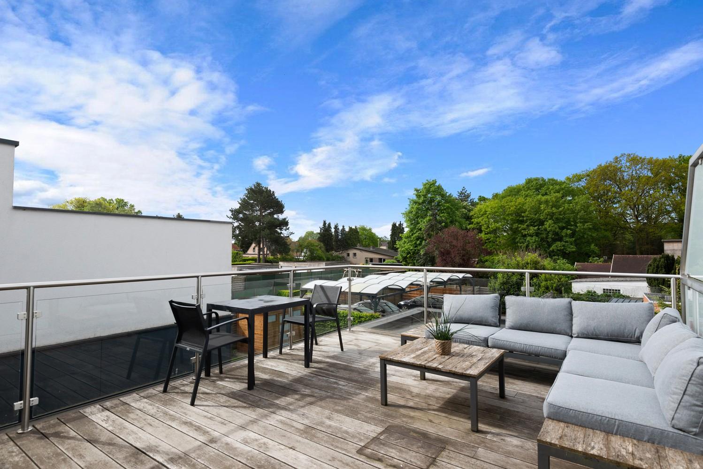 Recent, ruim duplex appartement met 3 slaapkamers en zonnig terras! afbeelding 1