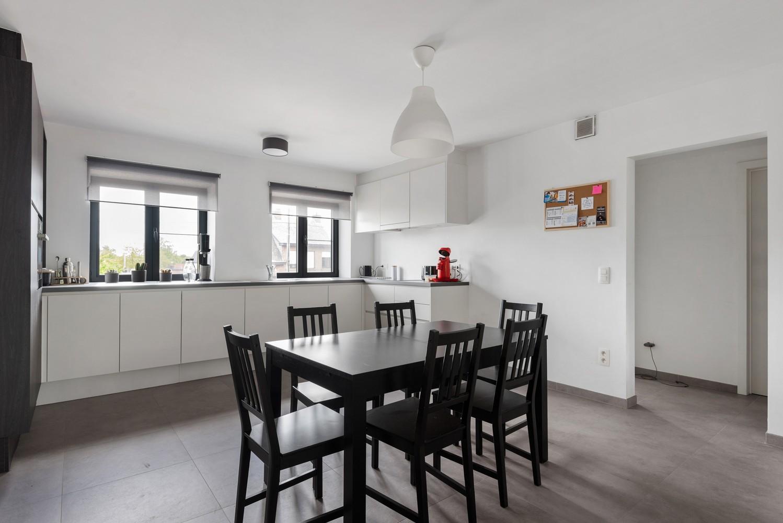 Recent, ruim duplex appartement met 3 slaapkamers en zonnig terras! afbeelding 9