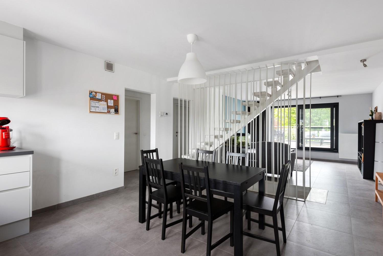 Recent, ruim duplex appartement met 3 slaapkamers en zonnig terras! afbeelding 11