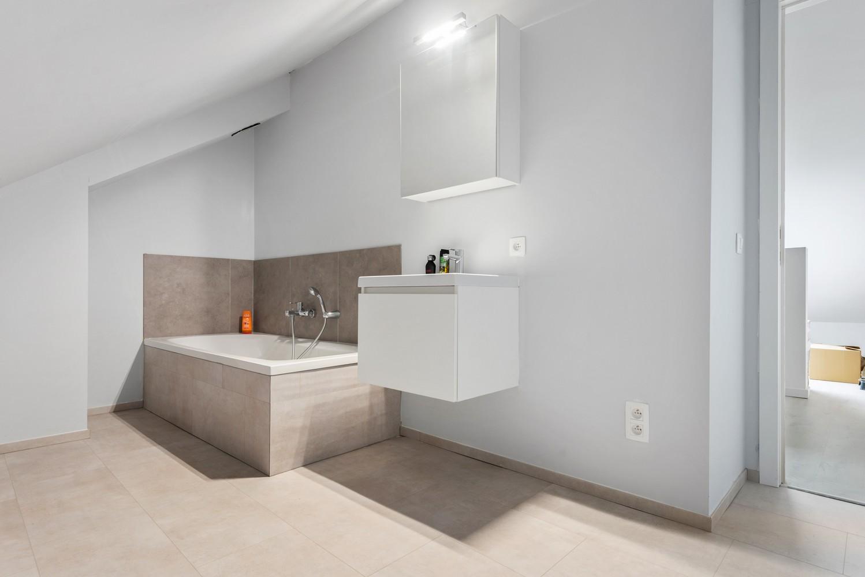 Recent, ruim duplex appartement met 3 slaapkamers en zonnig terras! afbeelding 20