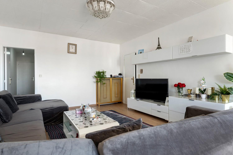 Ruim appartement met 3 slaapkamers en terrasje op een goede locatie te Deurne! afbeelding 8