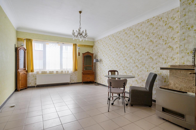 Op te frissen gelijkvloers appartement met één slaapkamer en terras! afbeelding 3