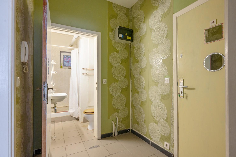Op te frissen gelijkvloers appartement met één slaapkamer en terras! afbeelding 9