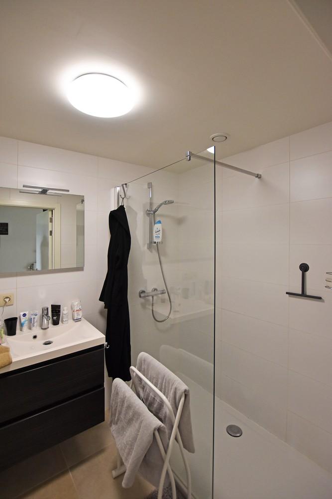 Zeer mooi appartement in recent gebouw met 2 slaapkamers, terras en garagebox te Wommelgem. afbeelding 10
