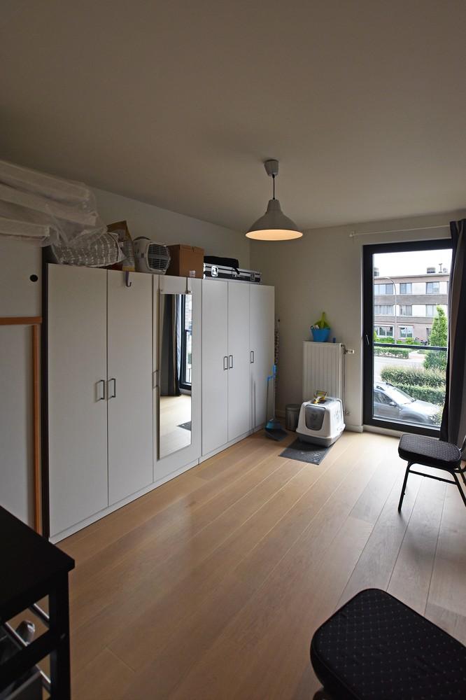Zeer mooi appartement in recent gebouw met 2 slaapkamers, terras en garagebox te Wommelgem. afbeelding 9
