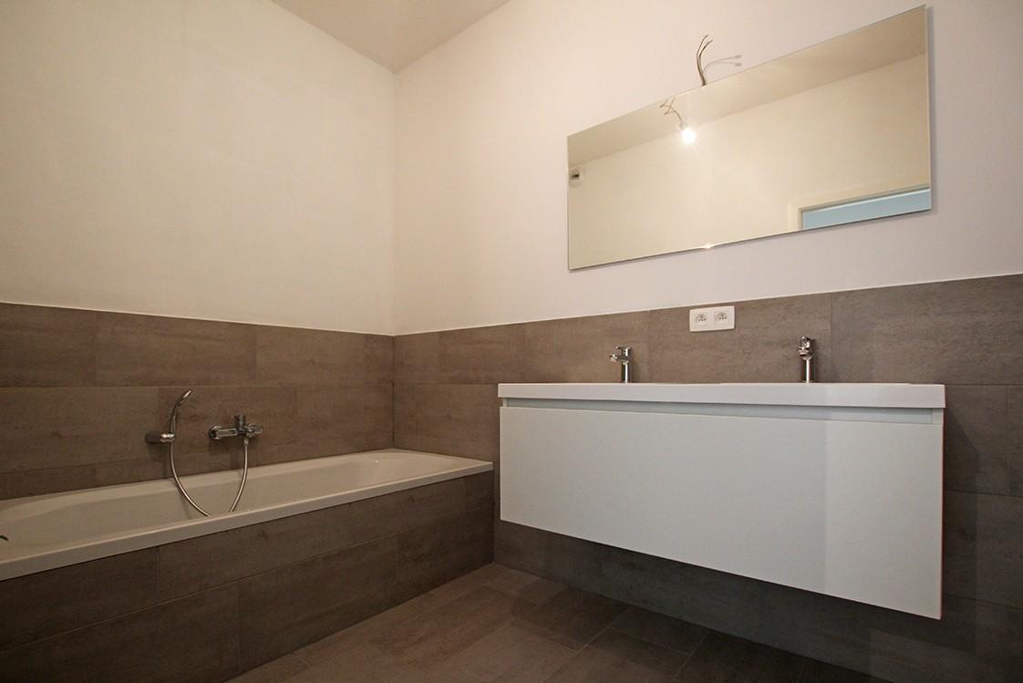 Riant één-slaapkamer appartement met aangenaam terras. afbeelding 9