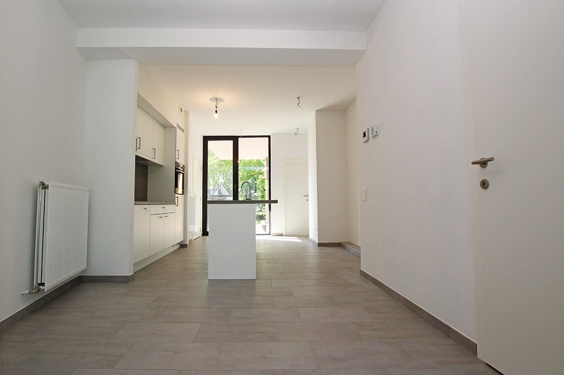 Riant één-slaapkamer appartement met aangenaam terras. afbeelding 3