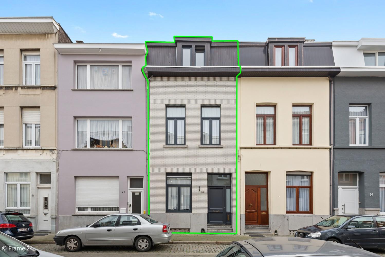 Ruime ééngezinswoning met 4/5 slaapkamers en terras te Antwerpen-Noord! afbeelding 8