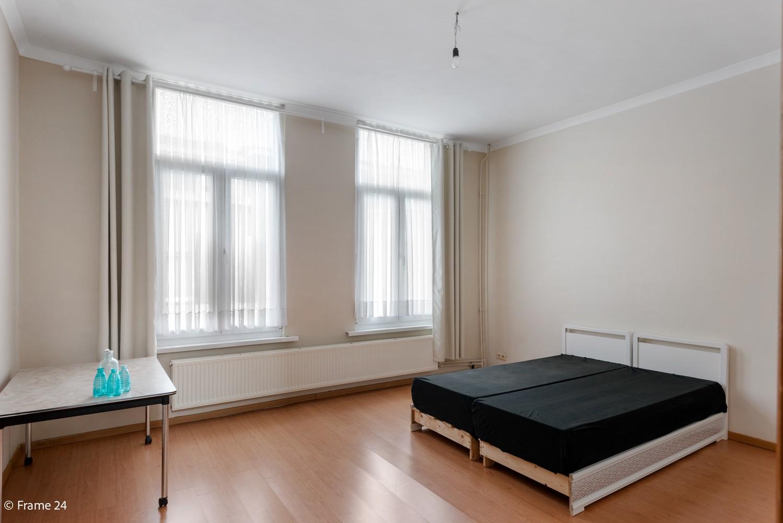 Ruime ééngezinswoning met 4/5 slaapkamers en terras te Antwerpen-Noord! afbeelding 10