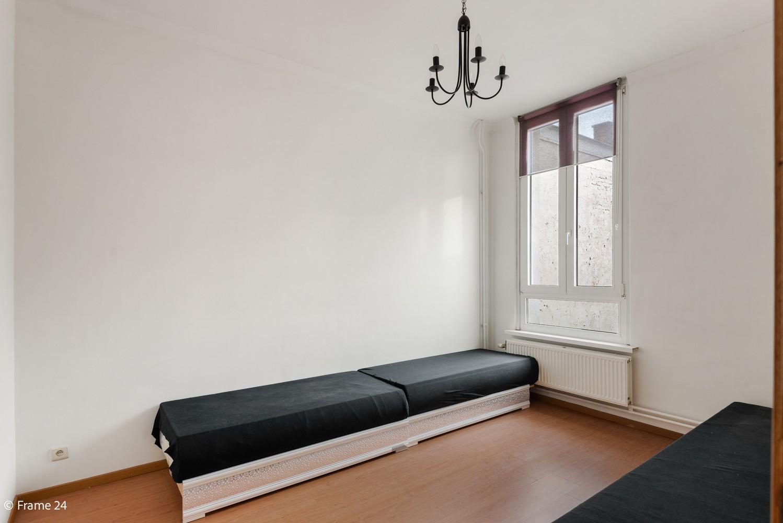 Ruime ééngezinswoning met 4/5 slaapkamers en terras te Antwerpen-Noord! afbeelding 11