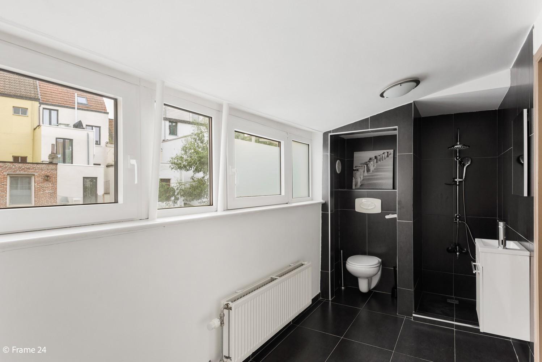 Ruime ééngezinswoning met 4/5 slaapkamers en terras te Antwerpen-Noord! afbeelding 13