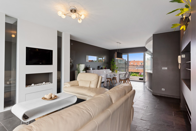 Recente bel-étage met drie slaapkamers en leuke tuin met jacuzzi en buitenkeuken te Stabroek! afbeelding 5