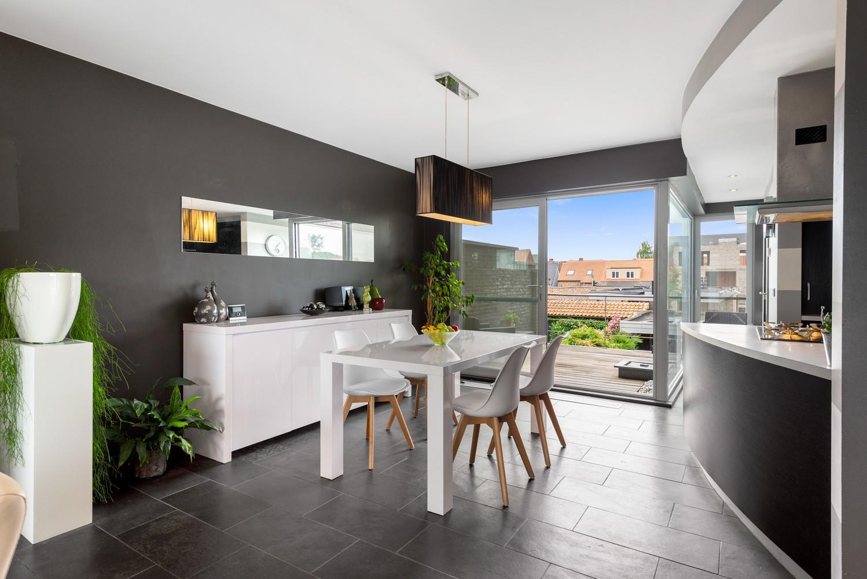Recente bel-étage met drie slaapkamers en leuke tuin met jacuzzi en buitenkeuken te Stabroek! afbeelding 7