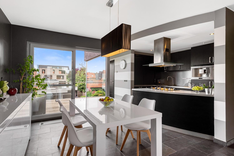 Recente bel-étage met drie slaapkamers en leuke tuin met jacuzzi en buitenkeuken te Stabroek! afbeelding 8