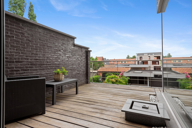 Recente bel-étage met drie slaapkamers en leuke tuin met jacuzzi en buitenkeuken te Stabroek! afbeelding 15