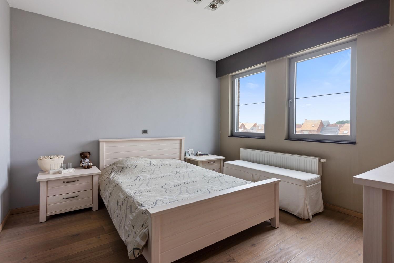 Recente bel-étage met drie slaapkamers en leuke tuin met jacuzzi en buitenkeuken te Stabroek! afbeelding 16