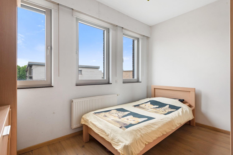 Recente bel-étage met drie slaapkamers en leuke tuin met jacuzzi en buitenkeuken te Stabroek! afbeelding 20