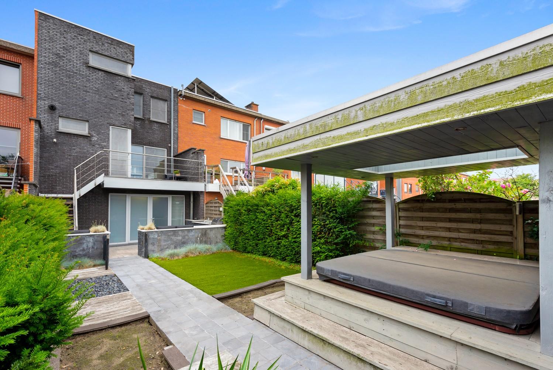 Recente bel-étage met drie slaapkamers en leuke tuin met jacuzzi en buitenkeuken te Stabroek! afbeelding 28