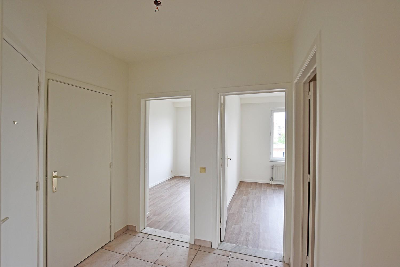 Verzorgd appartement met twee slaapkamers en terras te Deurne. afbeelding 3