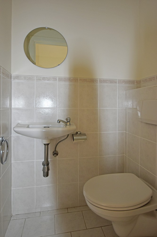 Verzorgd appartement met twee slaapkamers en terras te Deurne. afbeelding 7