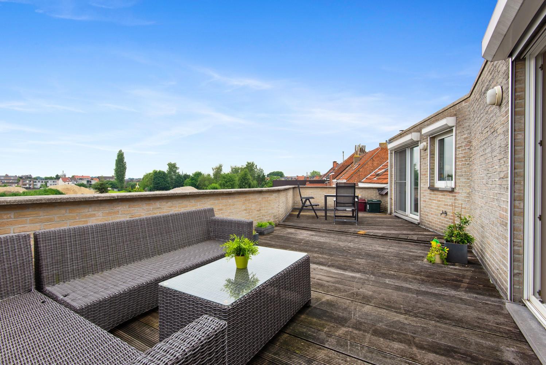 Dakappartement (154 m²) met riant terras te Schoten! afbeelding 1