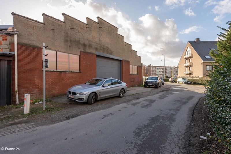 Commerciële gebouwen en bouwgrond op een uiterst interessante locatie te Wommelgem afbeelding 5