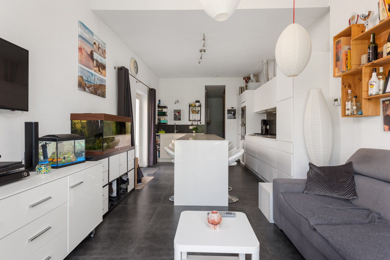Instapklare half open woning met ruime tuin op toplocatie te Wijnegem! afbeelding 5