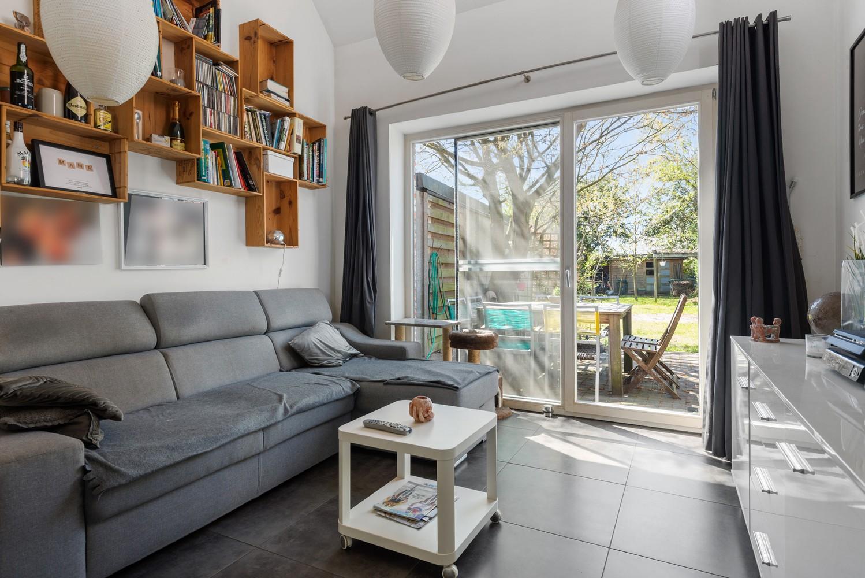 Instapklare half open woning met ruime tuin op toplocatie te Wijnegem! afbeelding 9