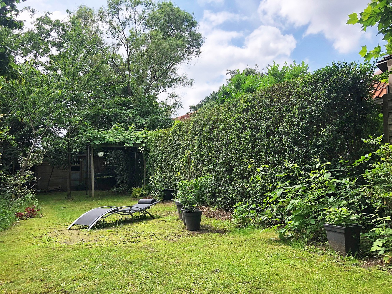 Instapklare half open woning met ruime tuin op toplocatie te Wijnegem! afbeelding 15