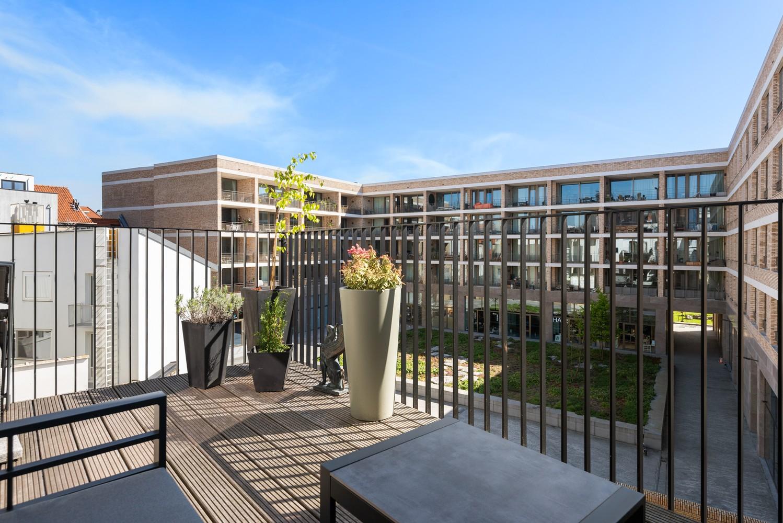 Stijlvol gerenoveerd appartement gelegen tussen het historisch centrum en 't Eilandje! afbeelding 1