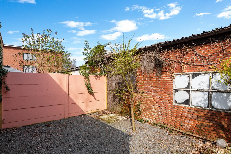 Huis bestaande uit twee wooneenheden met oprit en magazijn! afbeelding 30