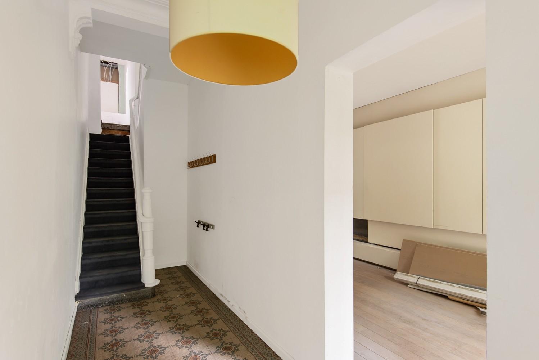 Verrassend ruime woning met 5 slaapkamers en leuke tuin te Merksem! afbeelding 2