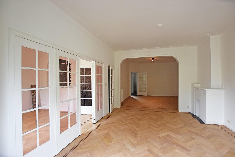 Prachtig, riant appartement (150m²) met terras in Berchem! afbeelding 1