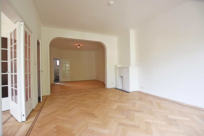 Prachtig, riant appartement (150m²) met terras in Berchem! afbeelding 2