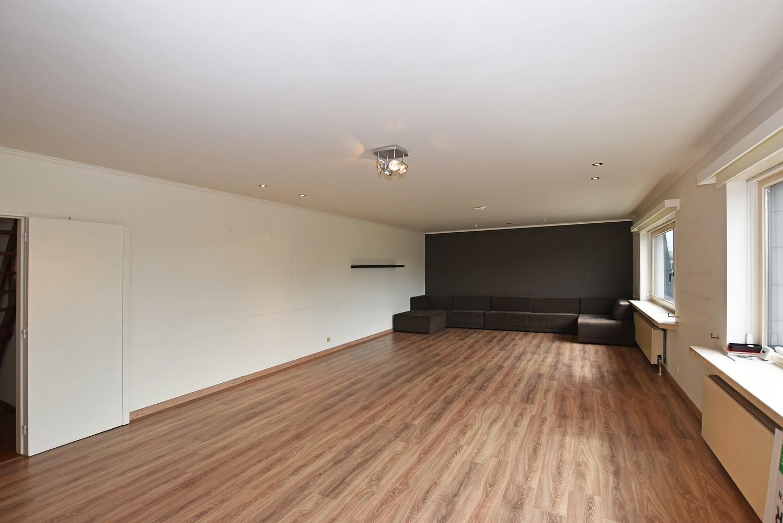 Riant duplex-appartement (200 m²), centraal gelegen te Schilde! afbeelding 2