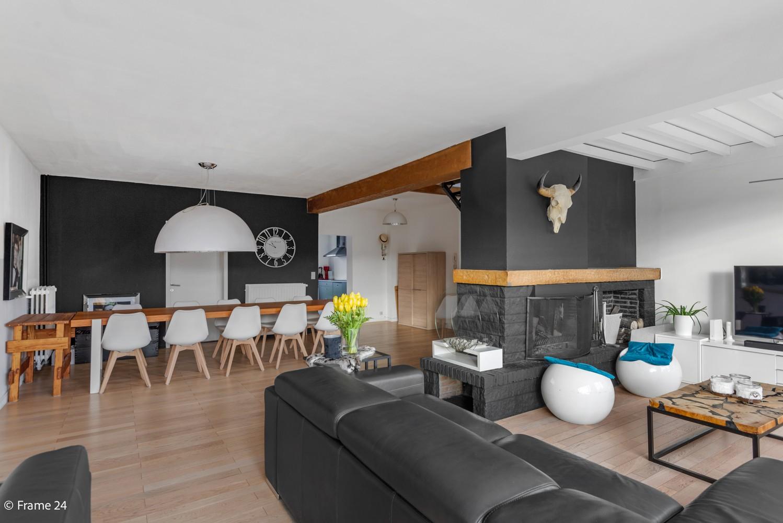 Waanzinnig ruim duplex appartement (175m²) met 4 slaapkamers & terras in Borsbeek afbeelding 2