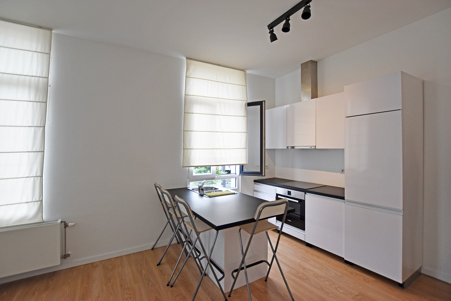 Modern appartement op de eerste verdieping met 2 slaapkamers en veel lichtinval! afbeelding 2