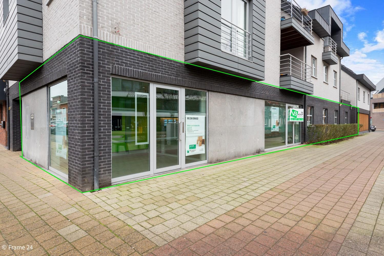 Gunstig gelegen handelsgelijkvloers van 170m² nabij het centrum van Wijnegem afbeelding 2