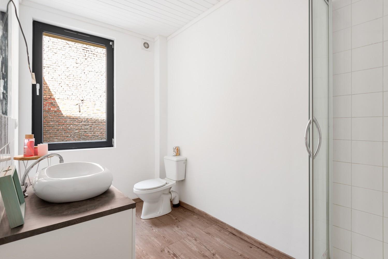 Woning met maar liefst 6 slaapkamers en 4 badkamers te Antwerpen (Seefhoek)! afbeelding 16