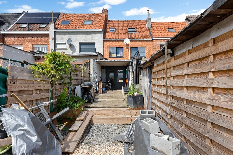 Ruime, op te frissen eengezinswoning met drie slaapkamers en grote tuin te Wijnegem! afbeelding 20