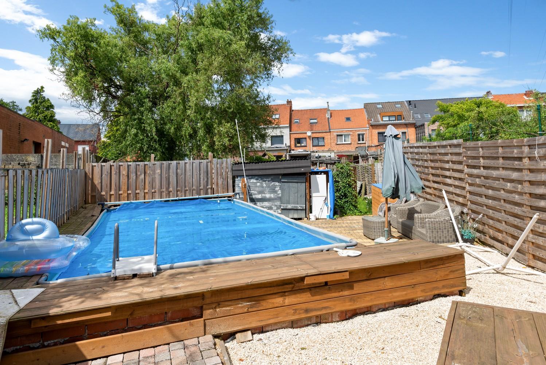 Ruime, op te frissen eengezinswoning met drie slaapkamers en grote tuin te Wijnegem! afbeelding 22