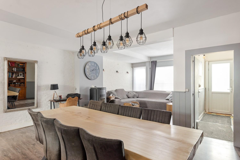 Ruime, op te frissen eengezinswoning met drie slaapkamers en grote tuin te Wijnegem! afbeelding 3