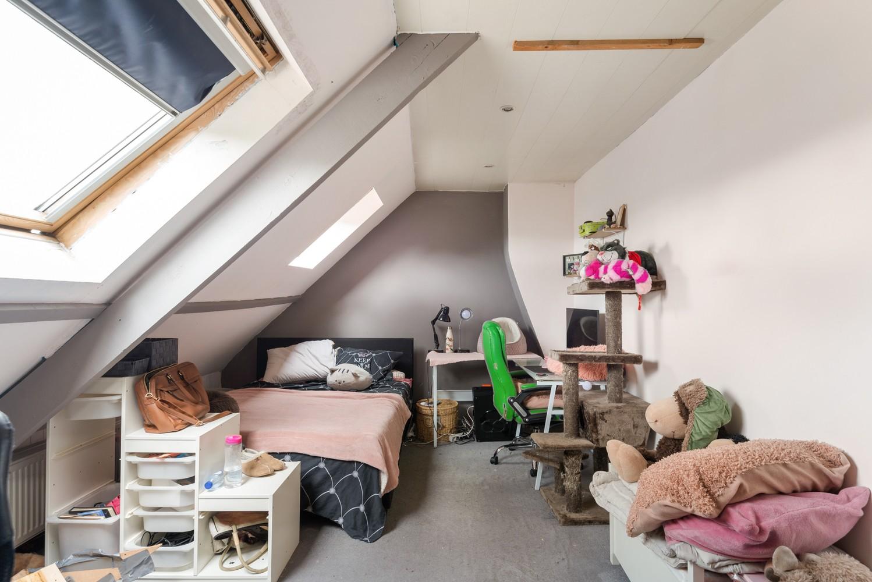 Ruime, op te frissen eengezinswoning met drie slaapkamers en grote tuin te Wijnegem! afbeelding 15