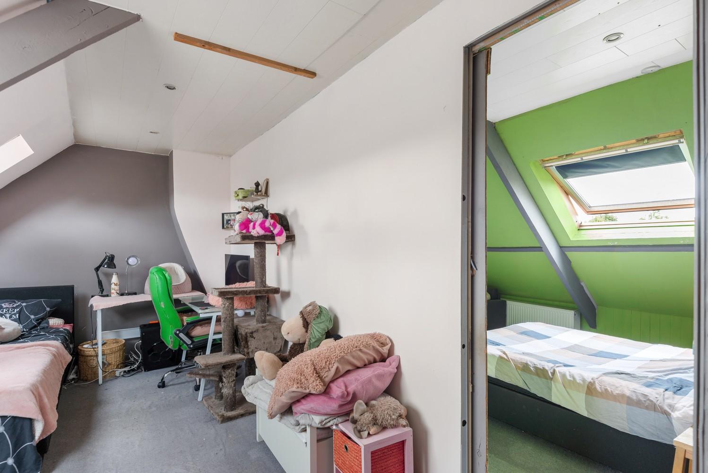 Ruime, op te frissen eengezinswoning met drie slaapkamers en grote tuin te Wijnegem! afbeelding 16