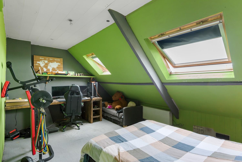 Ruime, op te frissen eengezinswoning met drie slaapkamers en grote tuin te Wijnegem! afbeelding 17